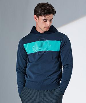 エンボスロゴセーター